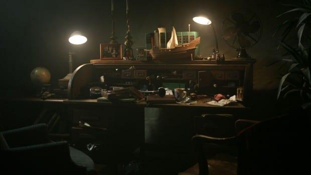 """La scrivania di Dylan Dog in """"Dead of Night"""""""