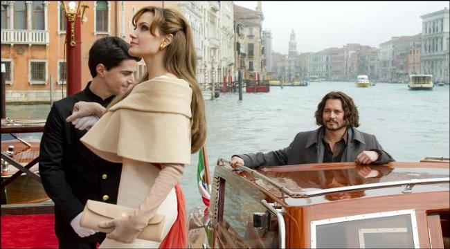 angelina jolie johnny depp the tourist image 01