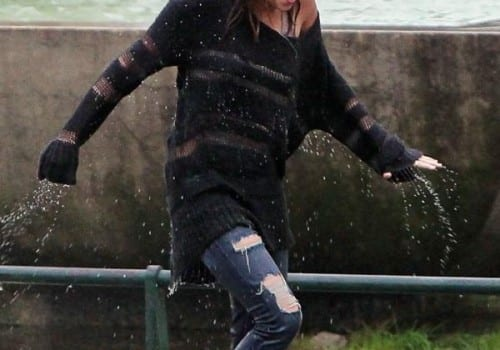 miley cyrus douglas booth wet and wild 12 500x687