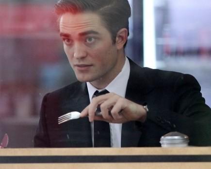 Robert Pattinson22