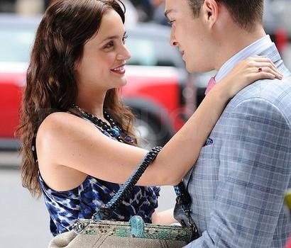 Pictures Ed Westwick Leighton Meester Sharing Hug Gossip Girl Set
