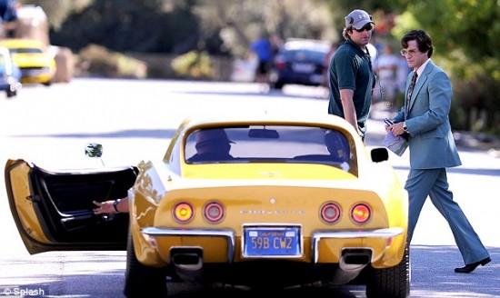 jOBS Dermot Mulroney with yellow car
