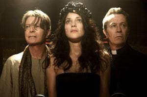 David Bowie, Marion Cotillard e Gary Oldman in un'immagine di The Next Day