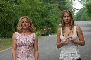 Elisabeth Shue e Jennifer Lawrence in un'immagine di Hates - House at the End of the Street