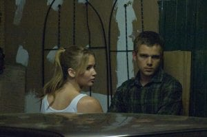 Jennifer Lawrence e Max Thieriot in una scena di Hates - House at the End of the Street
