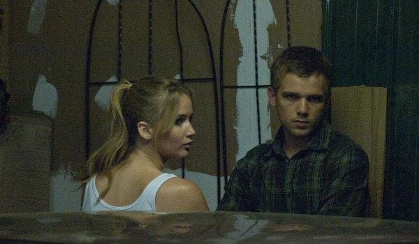 house at the end of the street jennifer lawrence max thieriot