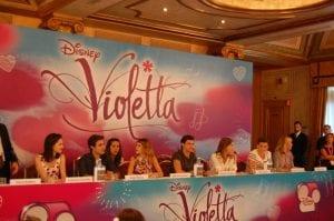Violetta - La conferenza stampa   © CineZapping