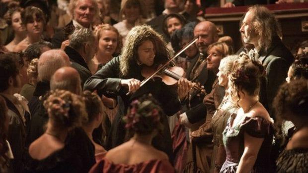 045 TDV 115 SP Int Opera House Paganini playing between audience David Garrett
