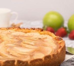 Una fetta di torta di mele